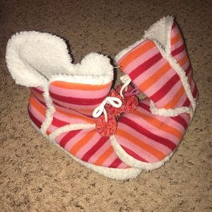 Shoes - Fuzzy Boots Slippers Candy Cane Sherpa Size 8